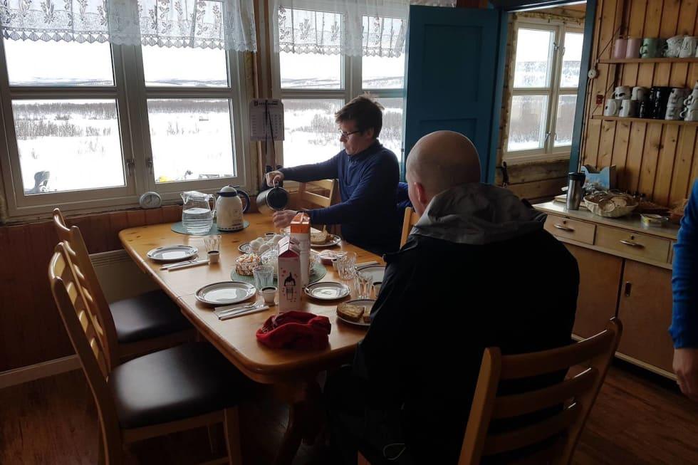 Frokost på Soussjavre fjellstue 1400x933