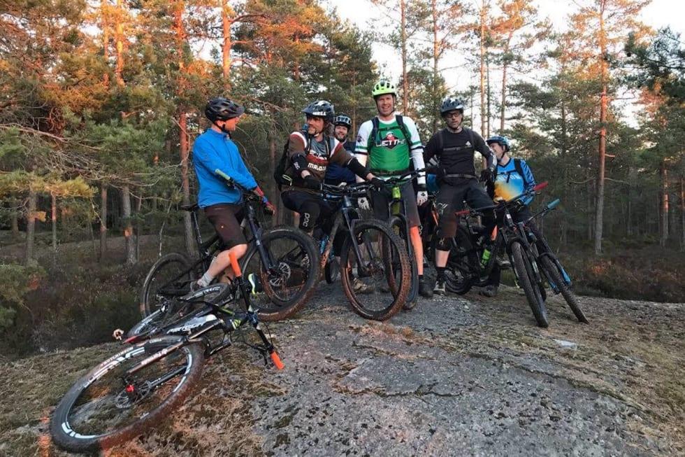 Ljanskollen brukes av stisyklister hovedsakelig tidlig og sent på sesongen fordi snøen går fort og legger seg sent i området. Foto: Aslak Mørstad
