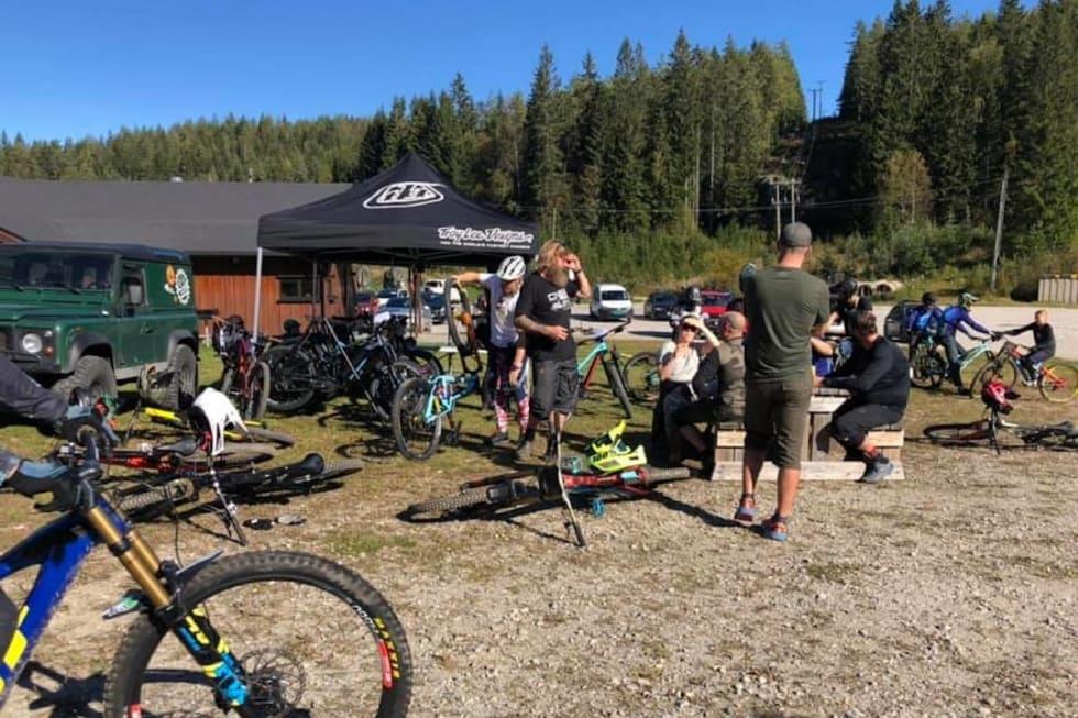 Camp Kjerringåsen badet i solo god stemning fra fredag til søndag. Foto: Kjerringåsen Sykkelpark Sarpsborg