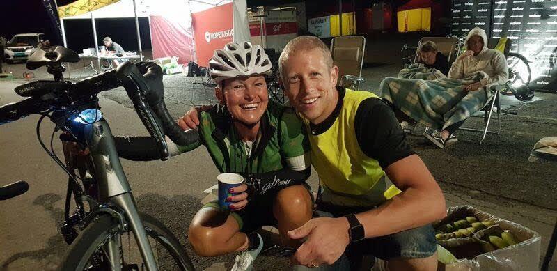 INSPIRERT: Bente Rossing sammen med arrangør og initiativtaker Stein Magnus Olafsrud under Hope Challenge 2018. Foto: Knut Simonsen