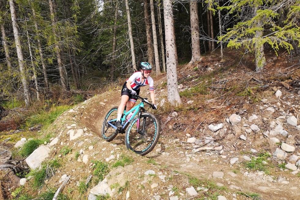 Marit Sveen kom på tredjeplass i den åttende runden av årets rundbane-Norgescup. Foto: Davis Haugen