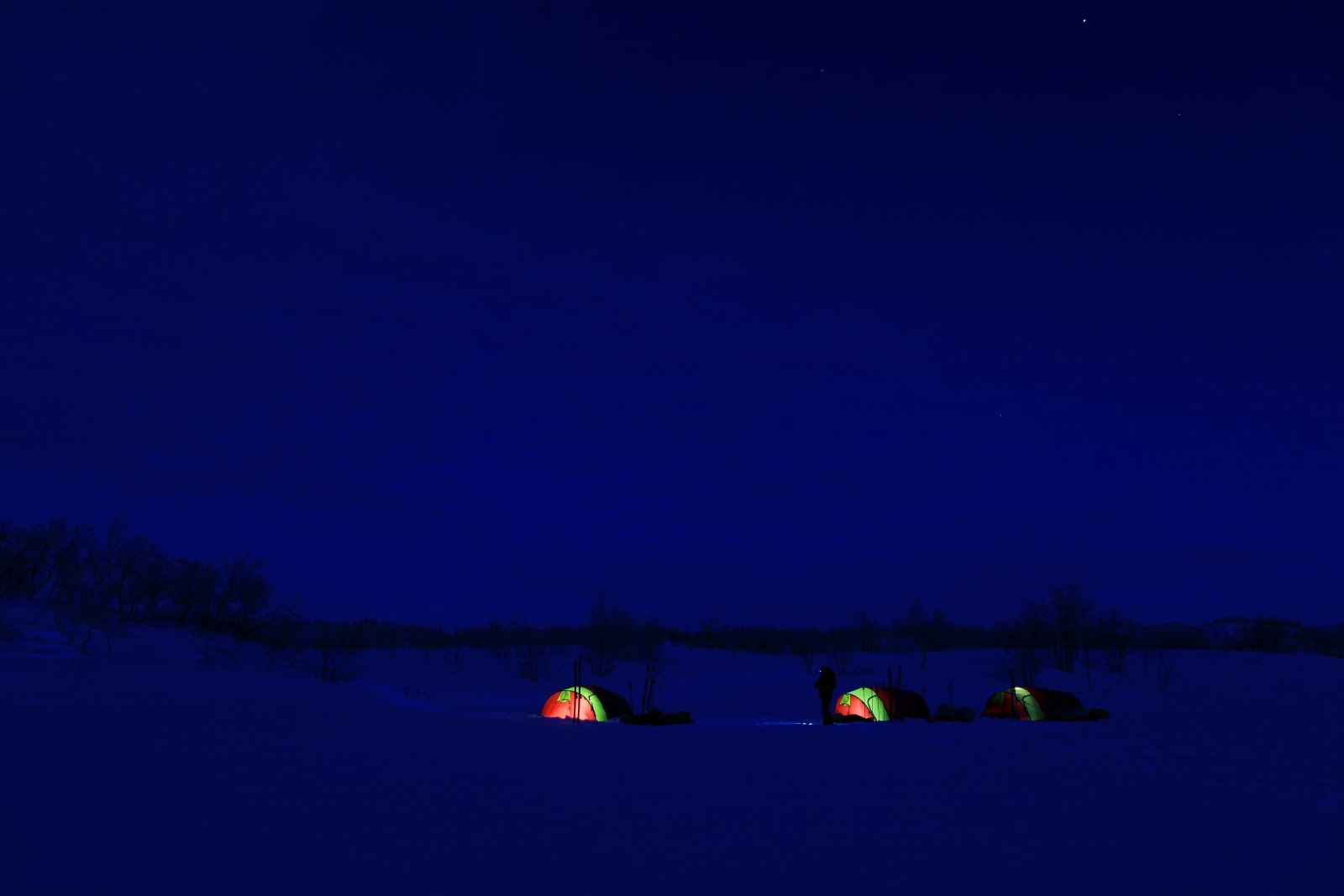 GOD TILVÆRELSE: Det er ikke tilfeldig at eventyrere som drar på lange vinterturer, gjerne gjør det igjen. Alle foto: Matti Bernitz Pedersen