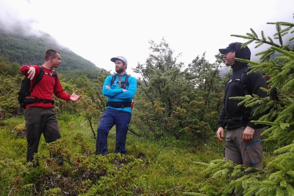 Dugnadsgjengen fikk hjelp fra øverste hylle til planleggingen av Napen. Fra venstre Mark McClure, Halvard Avdem og Shane Wilson - Fred Syversen