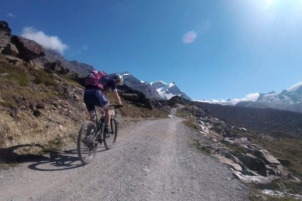 Stage 5 Espen Kildebo Jensen climb Swiss Epic 2018 - Foto Privat 1400x933
