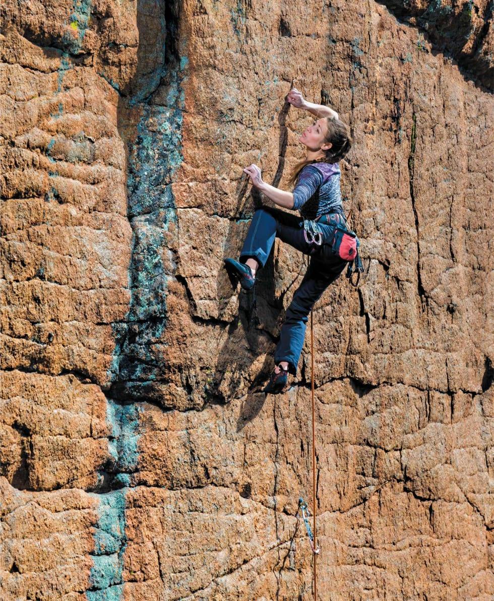 TYNT FJELL: Rannveig Aamodt fokuserer på Andrologi (5.12c) i Estes Park, Colorado. Foto: Nathan Welton
