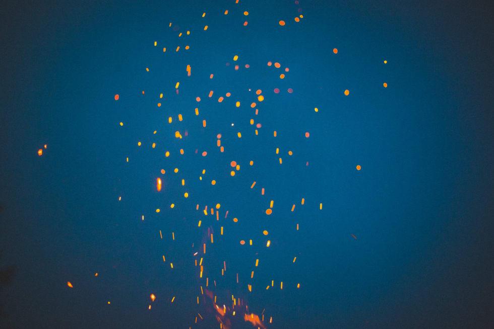 GNISTER: Det er noe annet når det kommer fra bålet, enn som lynnedslag.