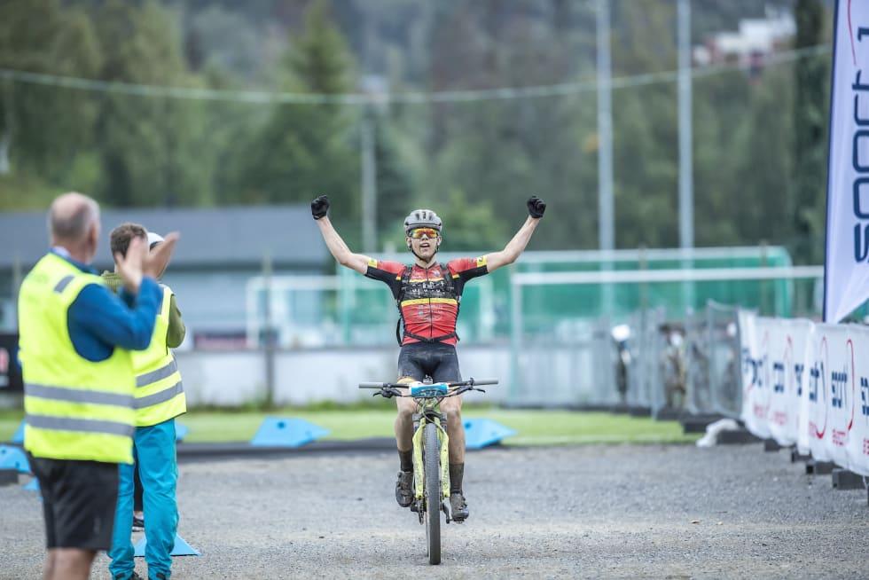 Ole Sigurd Rekdahl syklet alene fra han slapp teten før Storåsen. Foto: Pål Westgaard