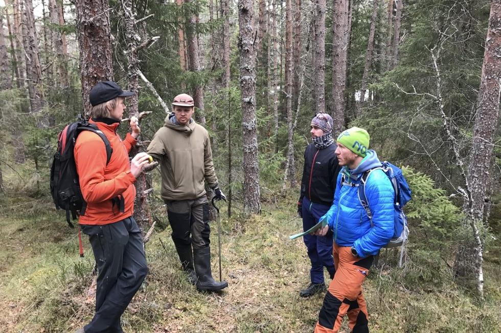 Kristian Ertnes og Roald Eidsheim, begge fra Rekkje - Robin Bråtveit TVK og Ola Resell - Befaring_Nilsbyen May 1-18 - Foto TVK 1400x933