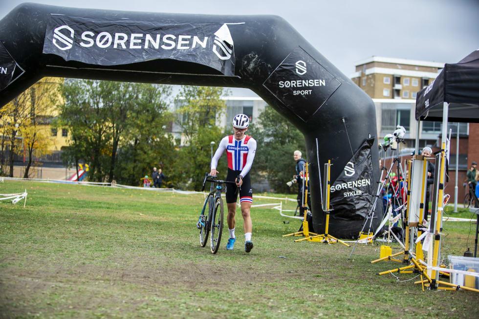 Tobias Johannessen finish - Superpokal Voldsløkka 2018 - Pål Westgaard  1400x933