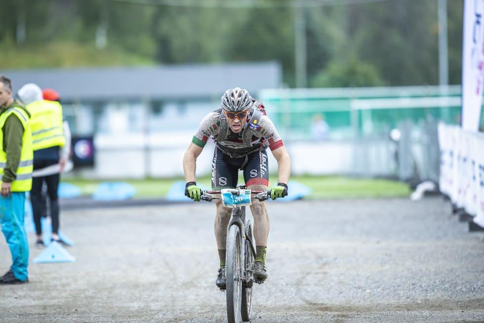 Jonas Nermoen mot mål. Foto: Pål Westgaard