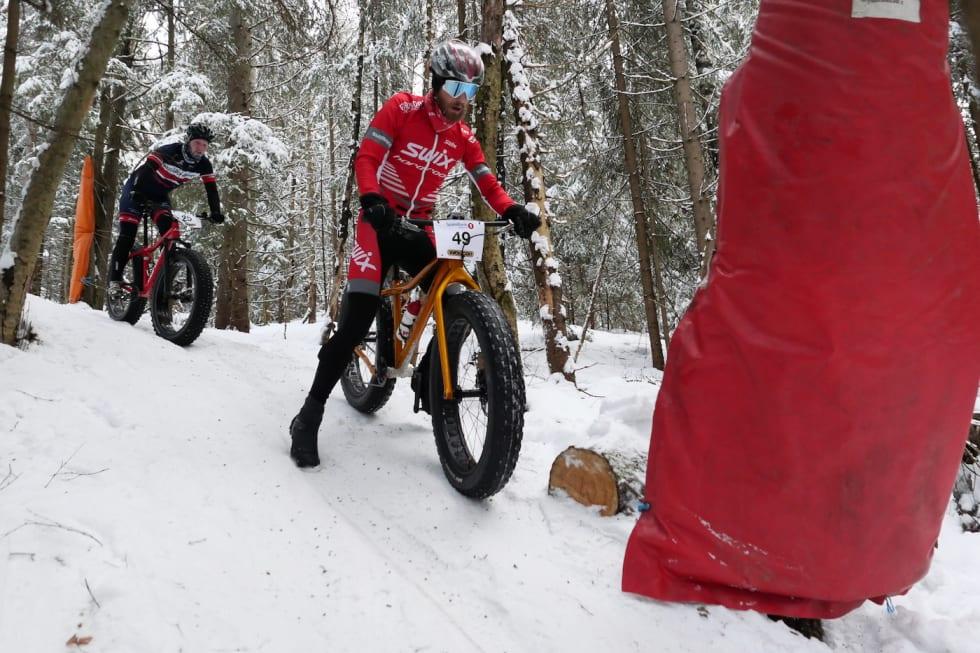 Utfordrende: Også krosskanonen Morten Vaeng måtte ha en fot i bakken her og der. I mål var han nummer sju. Foto: Stian Bergsveen