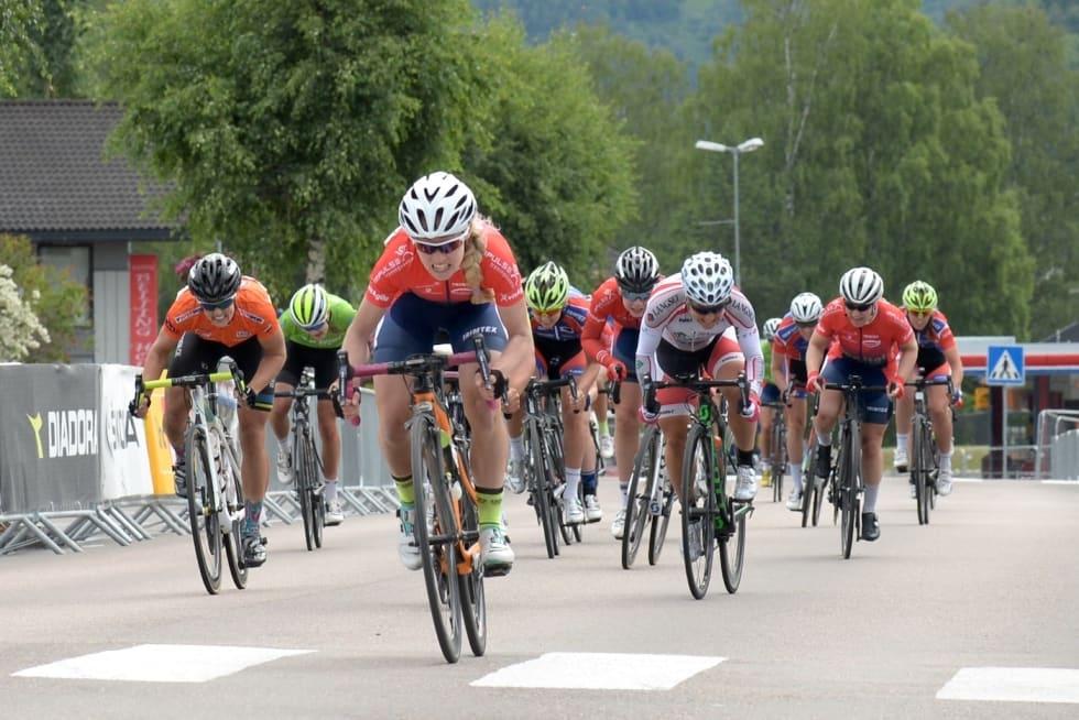 SPURTSTERK: Stine Borgli vant finaleetappen i Tour de Hallingdal. Foto: Kent Murdoch
