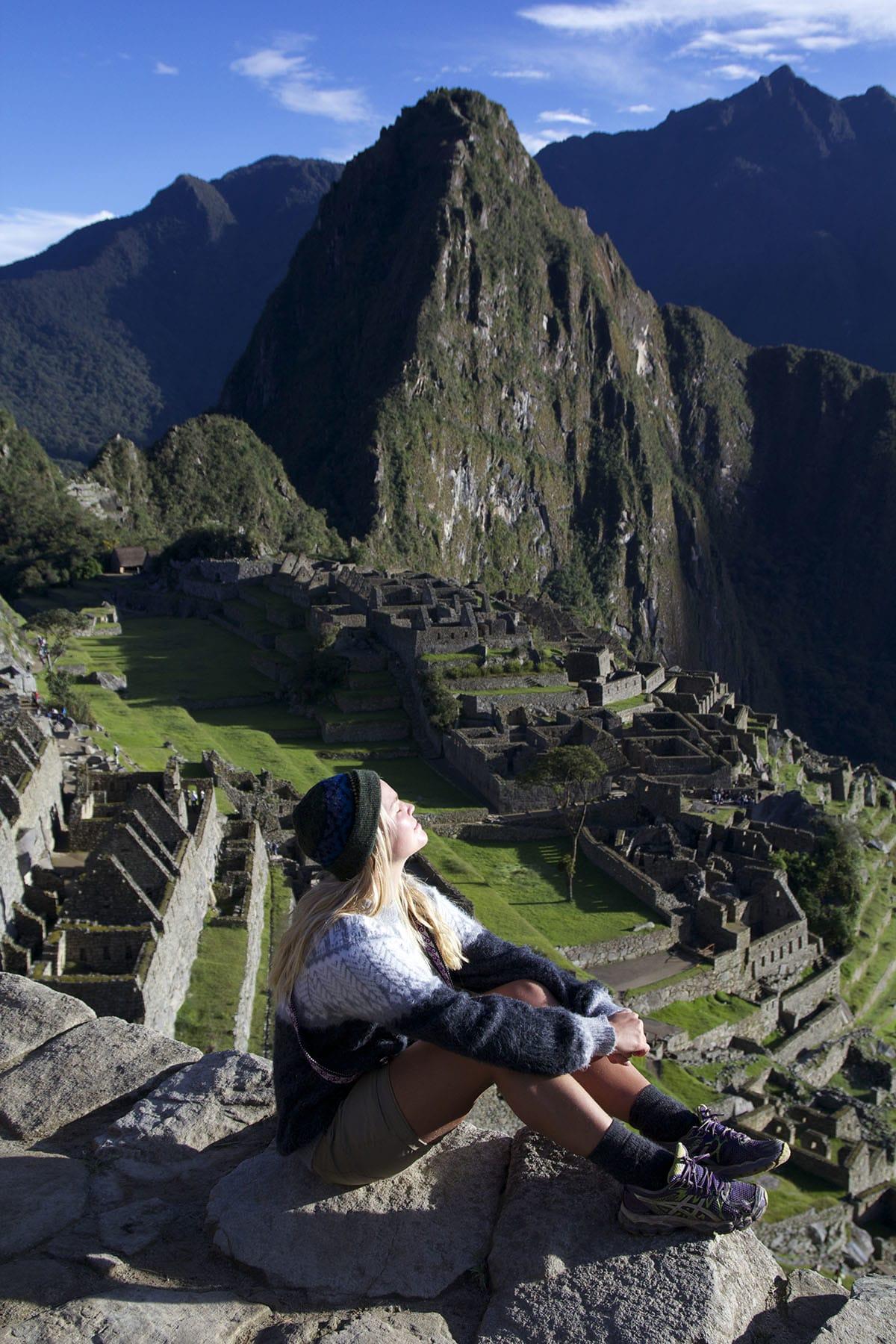 MACHU PICCHU: Huayna Picchu tårner over ruinane av inkaane sin tapte by. Byen vart truleg bygd rundt 1440, og står på Unesco si verdsarvliste over viktige kulturminne. Foto: Sigrid Skjerdal.
