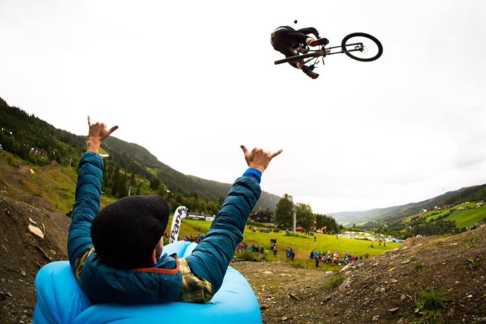 Hoppkonkurranser og show er klassikere på Hillbilly Huckfest, og slik er det også i år. Foto: Snorre Veggan