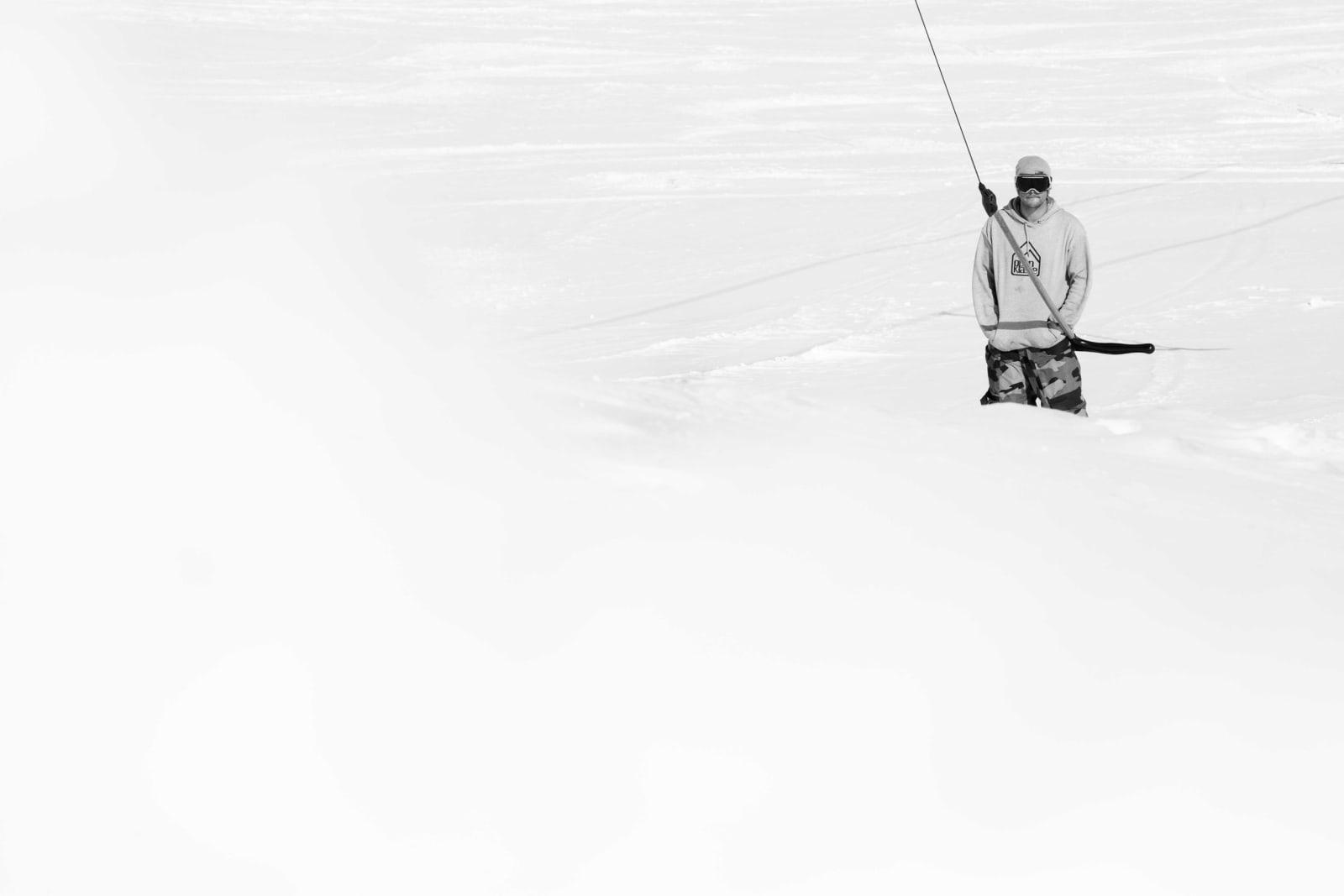 ALEINE OG MED VENNER: Klaus Finne trives med å trene alene. Samtidig er han en del av en tett vennegjeng som har startet opp Open Klasse i Myrkdalen. Foto: Chris Baldry