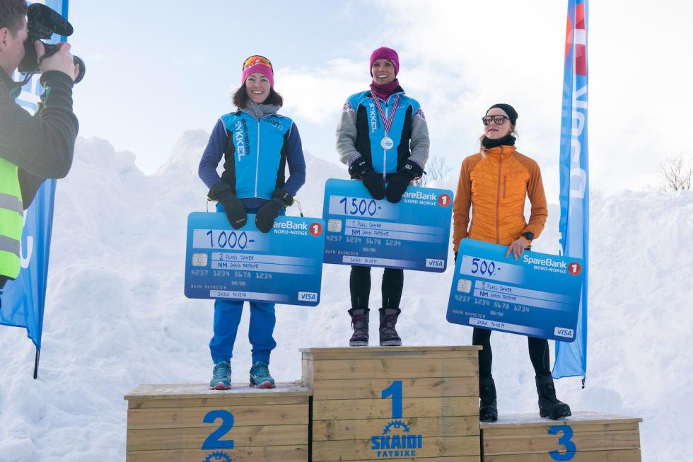 Pallen i dameklassen: Siril Pettersen Hammari vant foran Ida Bøhtun på andreplass og Rakel Birkeli på tredje. Foto: Rino Engdal