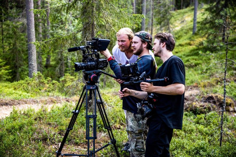 Brage Vestavik fikk mange innspill til nye måter å bruke terrenget på fra filmteamet i Blur Media. Foto: Anders Fausko