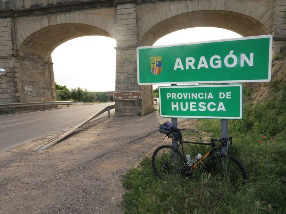 HUESCA: Ut av Katalonia, inn i Aragon og Huesca.
