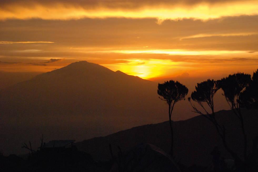KILIMANJARO: På swahili kalles fjellet «Det glitrende fjell». Fjellet, som ligger i det nordøstlige Tanzania nær grensen til Kenya, er en vulkan. Foto: Matti Bernitz Pedersen