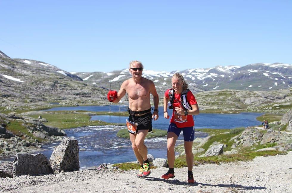 Et fjelløp kan være både sosialt og morsomt! Foto: Rallarvegsløpet