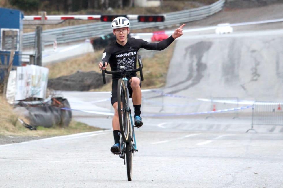Anders Johannessen ble kross-NM en opptur med sølvmedalje og en bekreftelse på at formen er på plass. Foto: Cato Karbøl