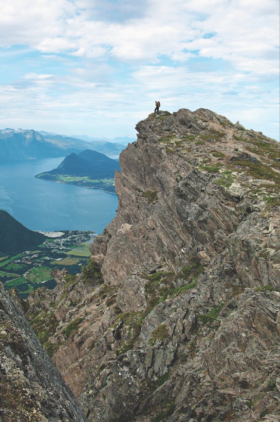 Romsdalseggen tøffer seg. Foto: Matti Bernitz