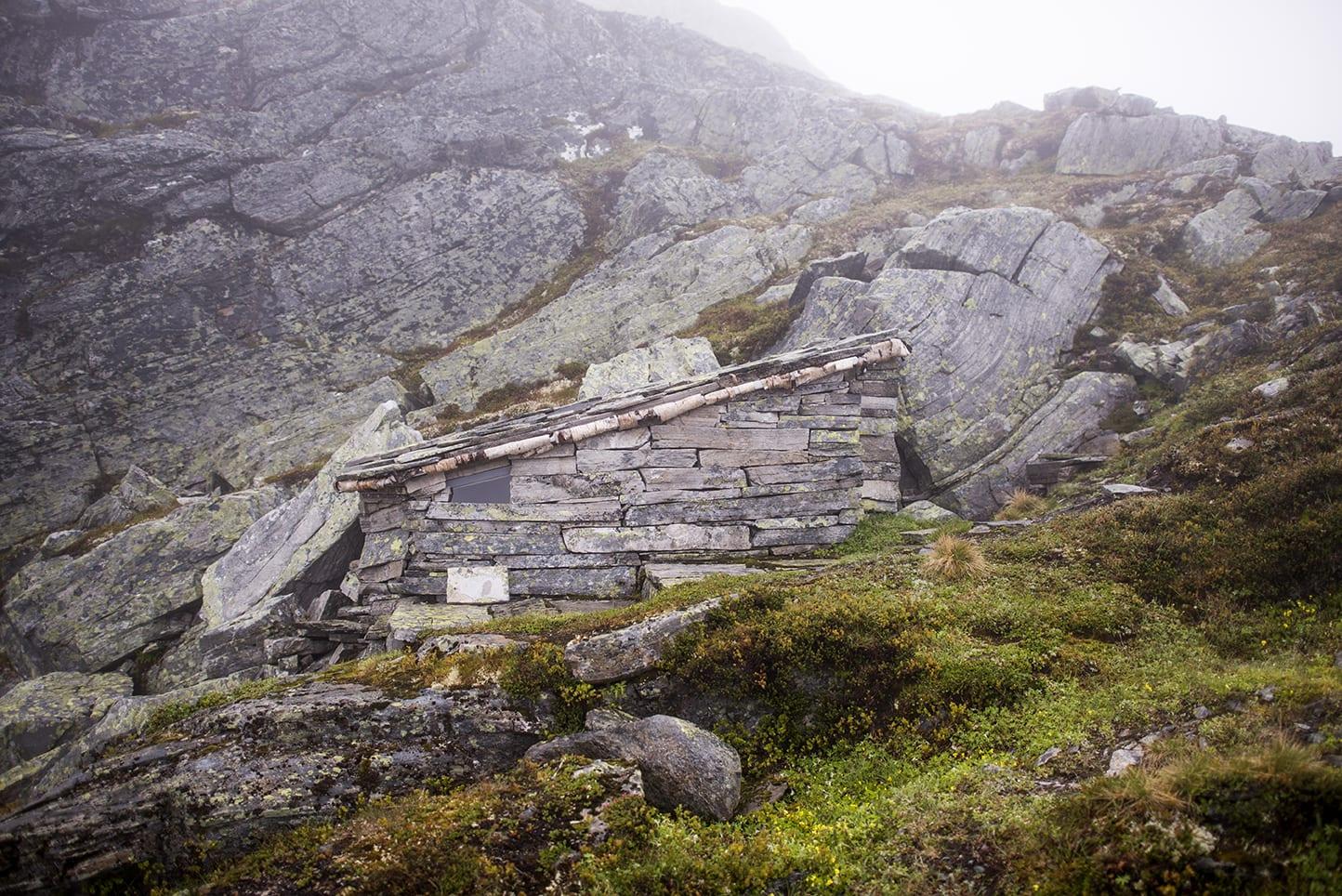 De nyeste hyttene i boka er fra «i dag», fra etter 2010 og mange er i full bruk. Den eldste er 300 år gammel. Foto: Marius Nergård Pettersen