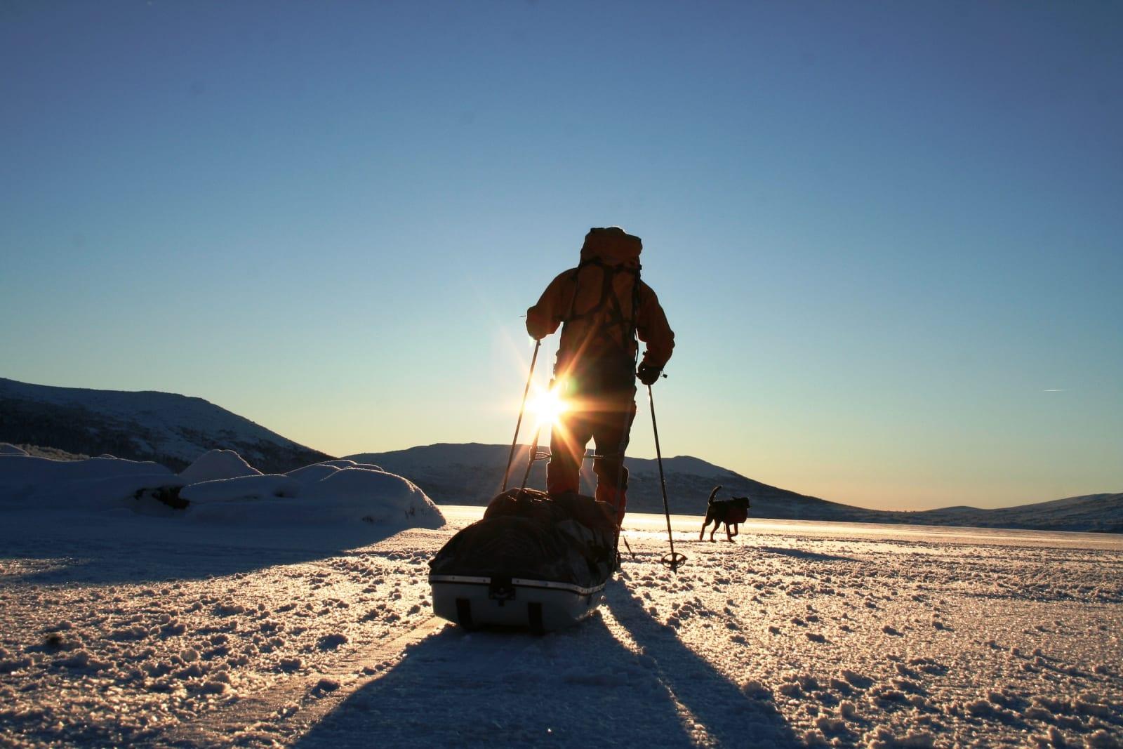 Pulktur: Isen er trygg allerede på senhøsten. Det gjør deler av skituren flat og fin. Noe av krongleterrenget er derimot sensurert fra artikkelen. Foto: André Spica