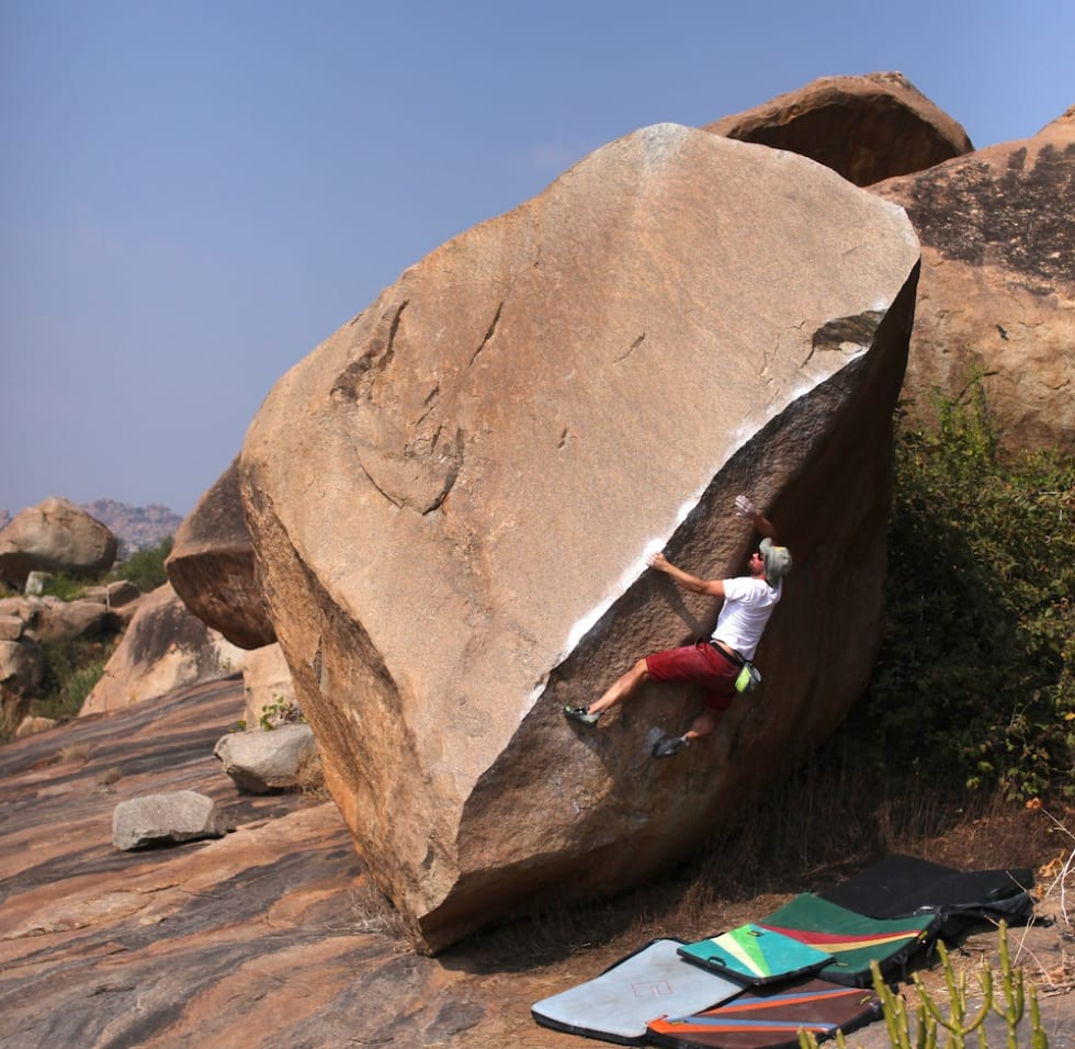 goan corner bulder