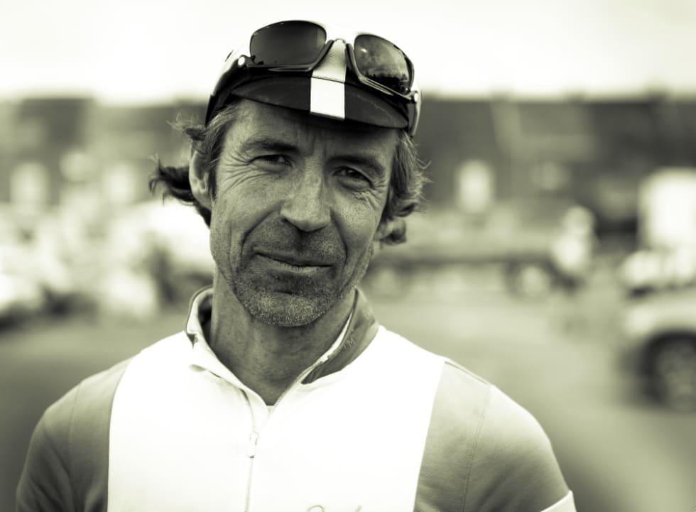 GUIDE: Philip Deeker loser deg trygt gjennom Belgia om du reiser på sykkeltur.