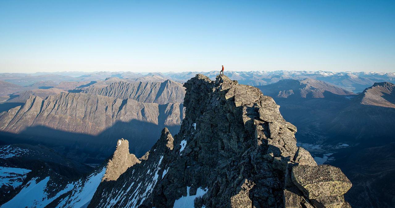 STORT: Ikke alle fjellene på listen er like spektakulære som Råna i Sunnmøre. Foto: Christian Nesset.