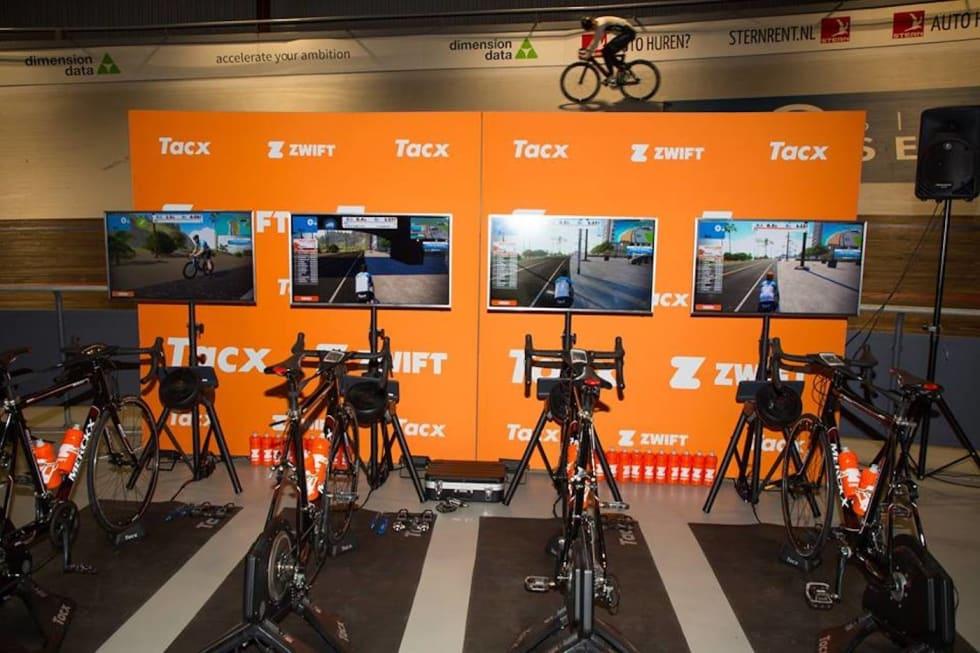 ZWIFT-PLATTFORM: E-sykling som UCI-gren skal utvikles i samarbeid med Zwift. Foto: Zwift