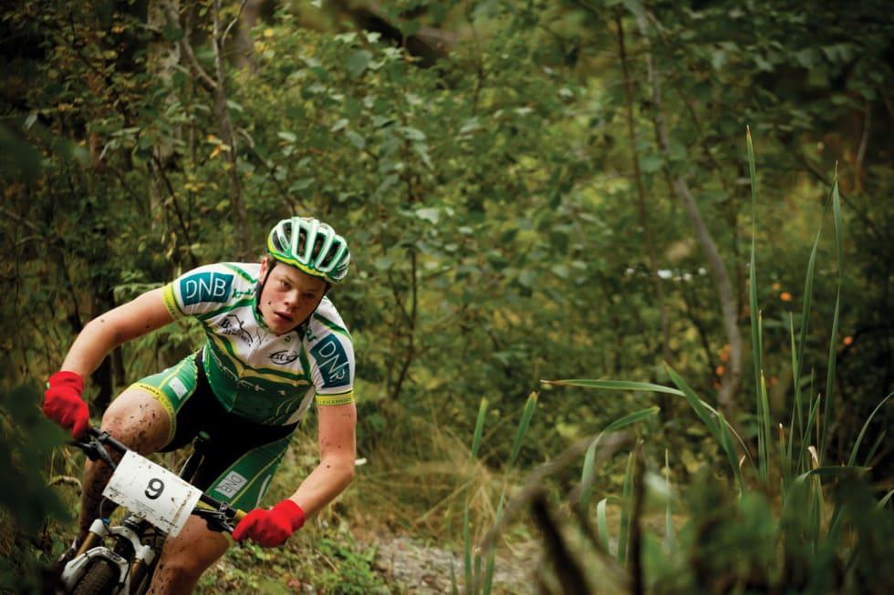 bråsterk: Truls var lenge en lovende terrengsyklist, men med stor motor og litt mindre finesse gikk det hardt utover utstyret. Her sykler han norgescup i Konnerud, 2011.  Foto: Kristoffer H. Kippernes.