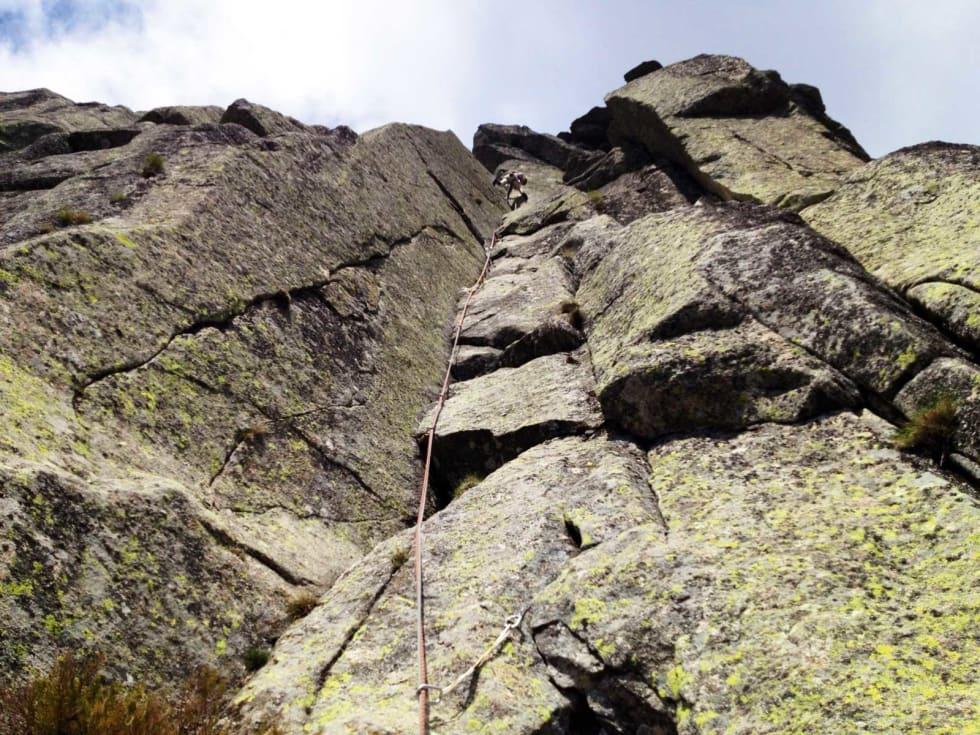 Granitt! Tore klatrar Gollum (6a), El Torozo. Foto Iver Gjeldstenli