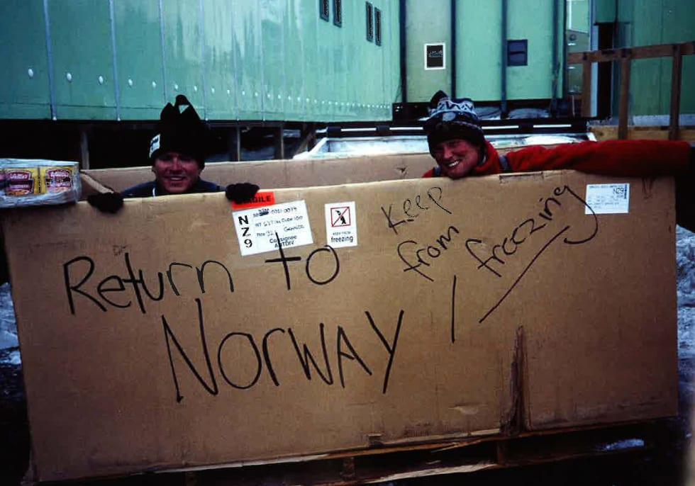 LAV PROFIL: Fra 1999-2001 gjennomførte Eirik Sønneland og Rolf Bae (RIP) Norsk Antarktis Ekspedisjon (NAE) som også inkluderte den første overvintringen på den norske Trollbasen på 40 år. Foto: Ukjent