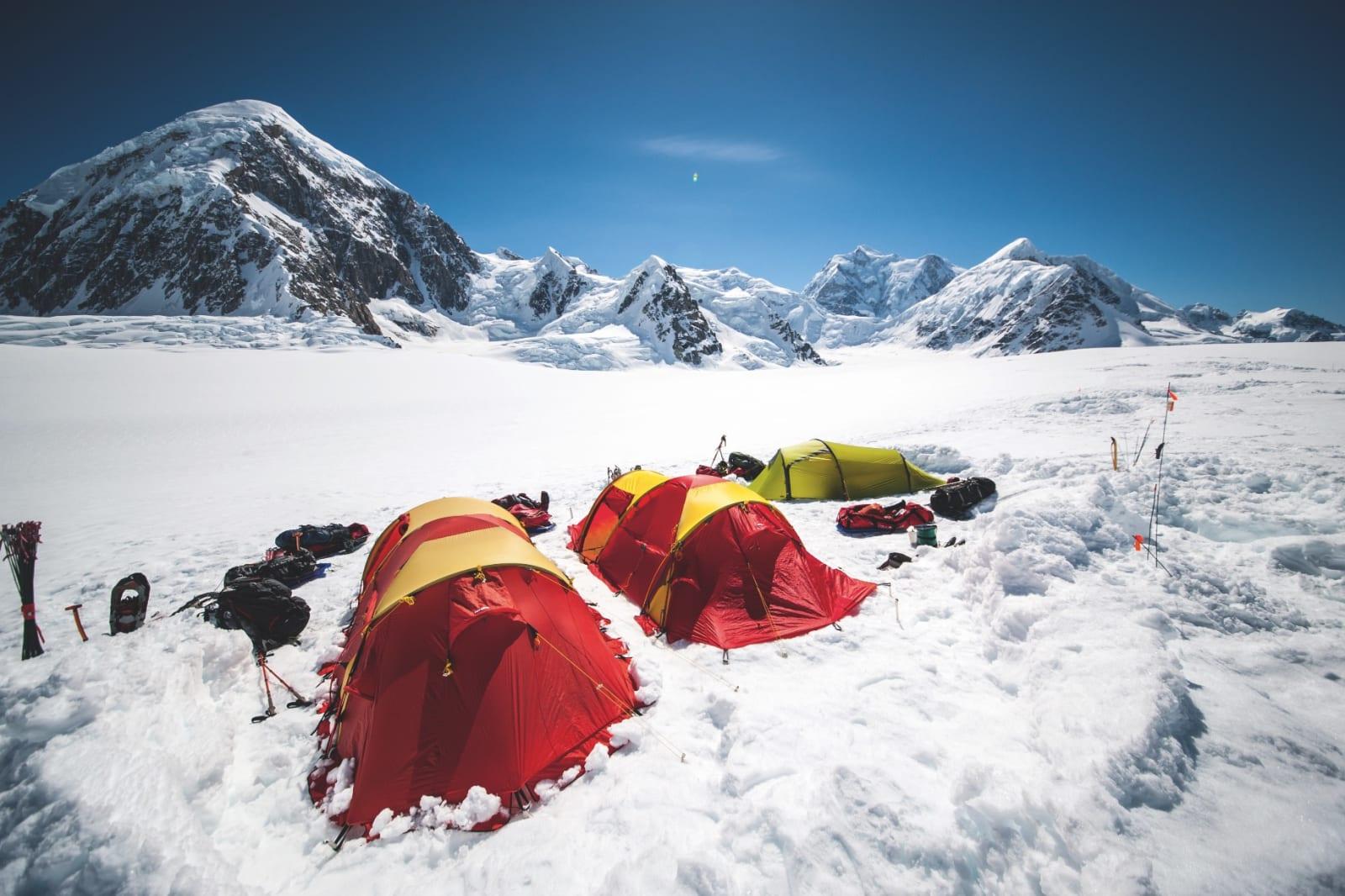 UNIK OPPLEVELSE: Å klatre Denali er en helt spesielt vakker opplevelse. Alle som drar hit har som mål å nå toppen. Men glem for all del ikke å nyte den flotte naturen og den klare luften.