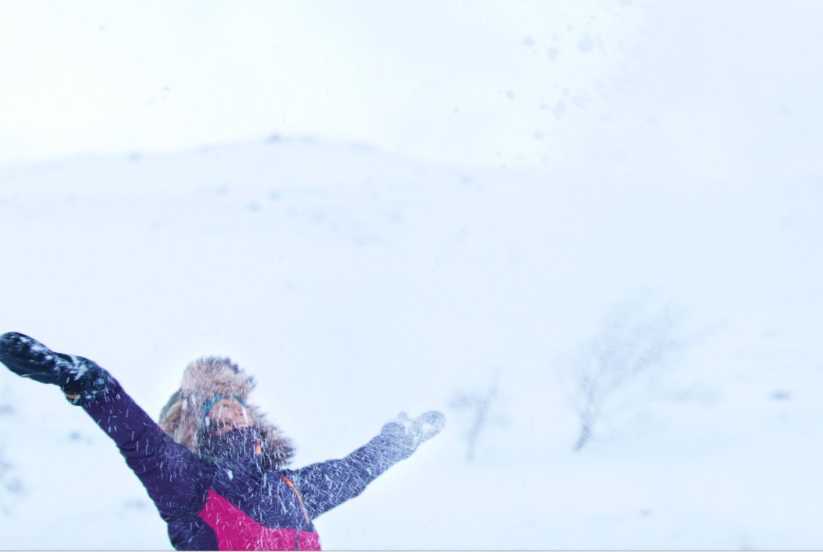 DIGGER UTELIVET: Det startet med flere sesonger i Alpene, etter det kom hun stadig tilbake til snøkledde fjell. Nå er det Tromsø som gjelder. Foto: Anna Lovehed