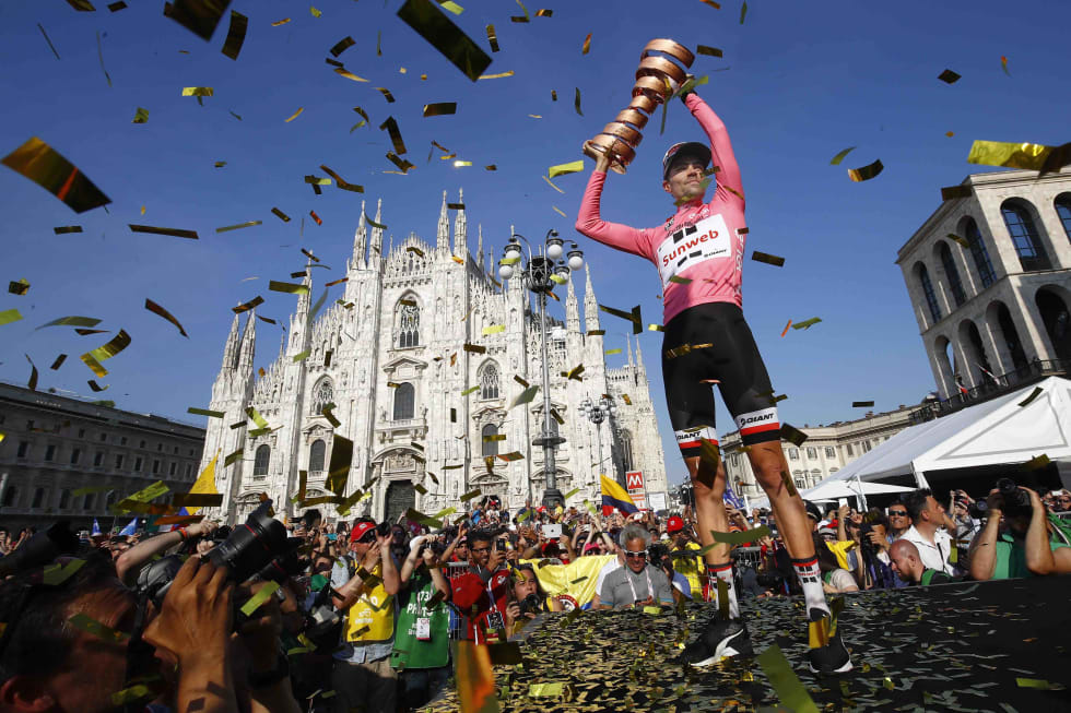 ROSA FEST: Tom Dumoulin vant i fjor. Om en snau uke har du årets vinner også. Foto: Cor Vos.