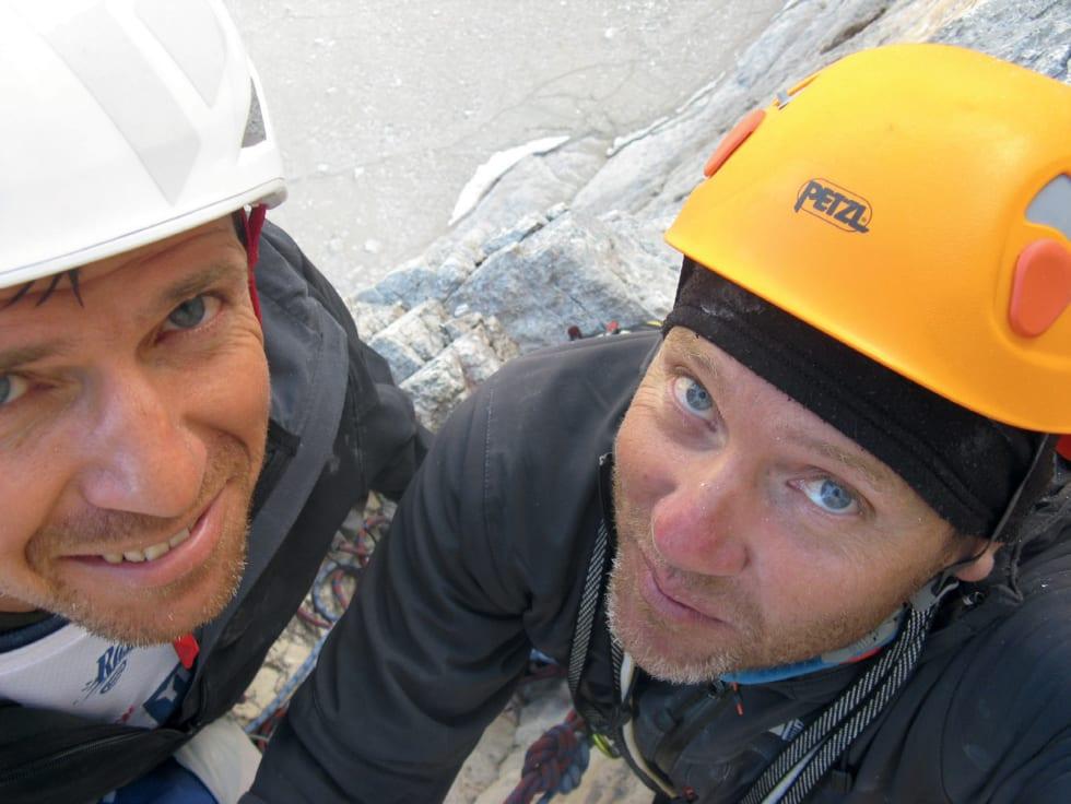 SELFIE: Eldre herrer ute på eventyr, Steve Egner til venstre og Erik Finne Oppegård til høyre. Foto: Erik Finne Oppegård