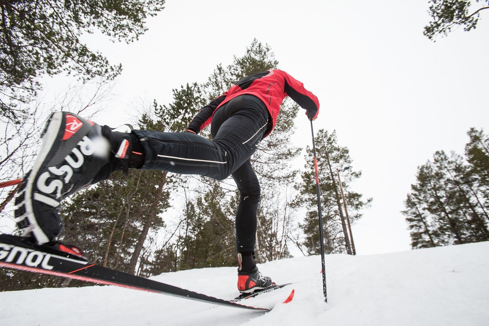TO FELLESKI OR NOT TO FELLESKI: Kommer skismøring alltid til å være proffenes valg, eller vil det komme bedre alternativer. Spørsmålet er kanskje heller år enn om skiftet kommer. Bilde: Christian Nerdrum