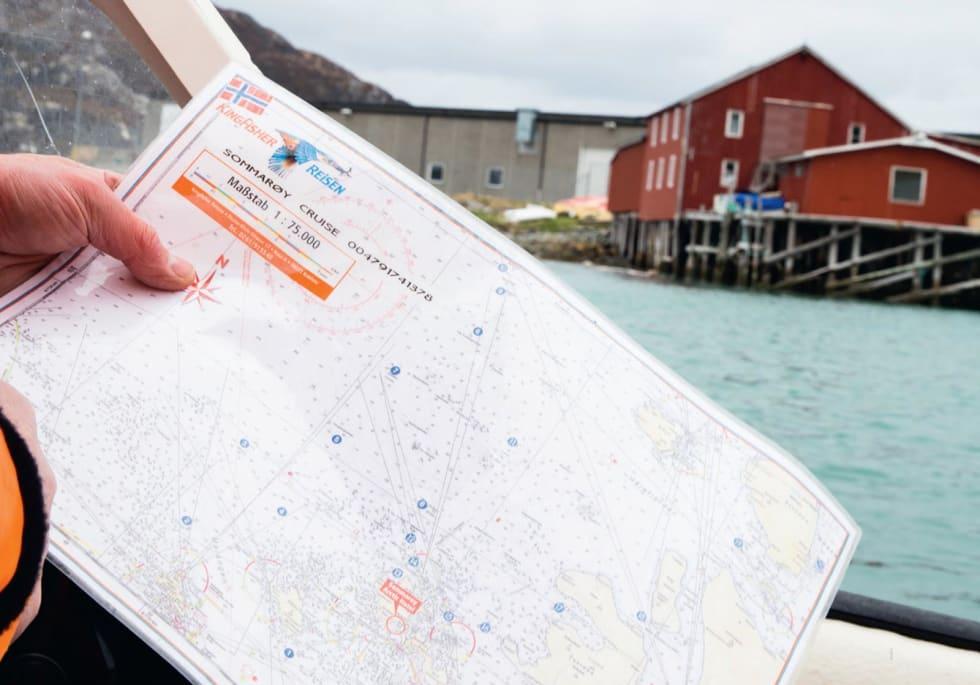 SOMMARØY OM VINTEREN: Hotellvert Kjell-Ove Hveding tok oss med ut på fisketur.
