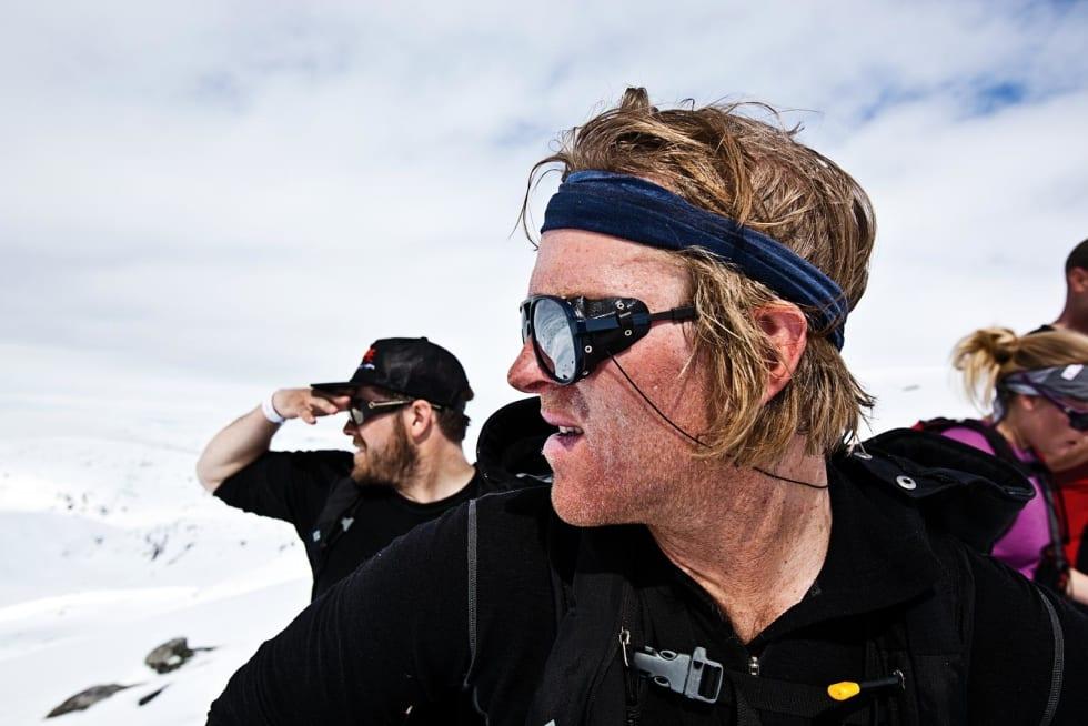 SPEIDER ETTER LINJER: Anders Døhl og Christian Møkleby planlegger neste nedkjøring.