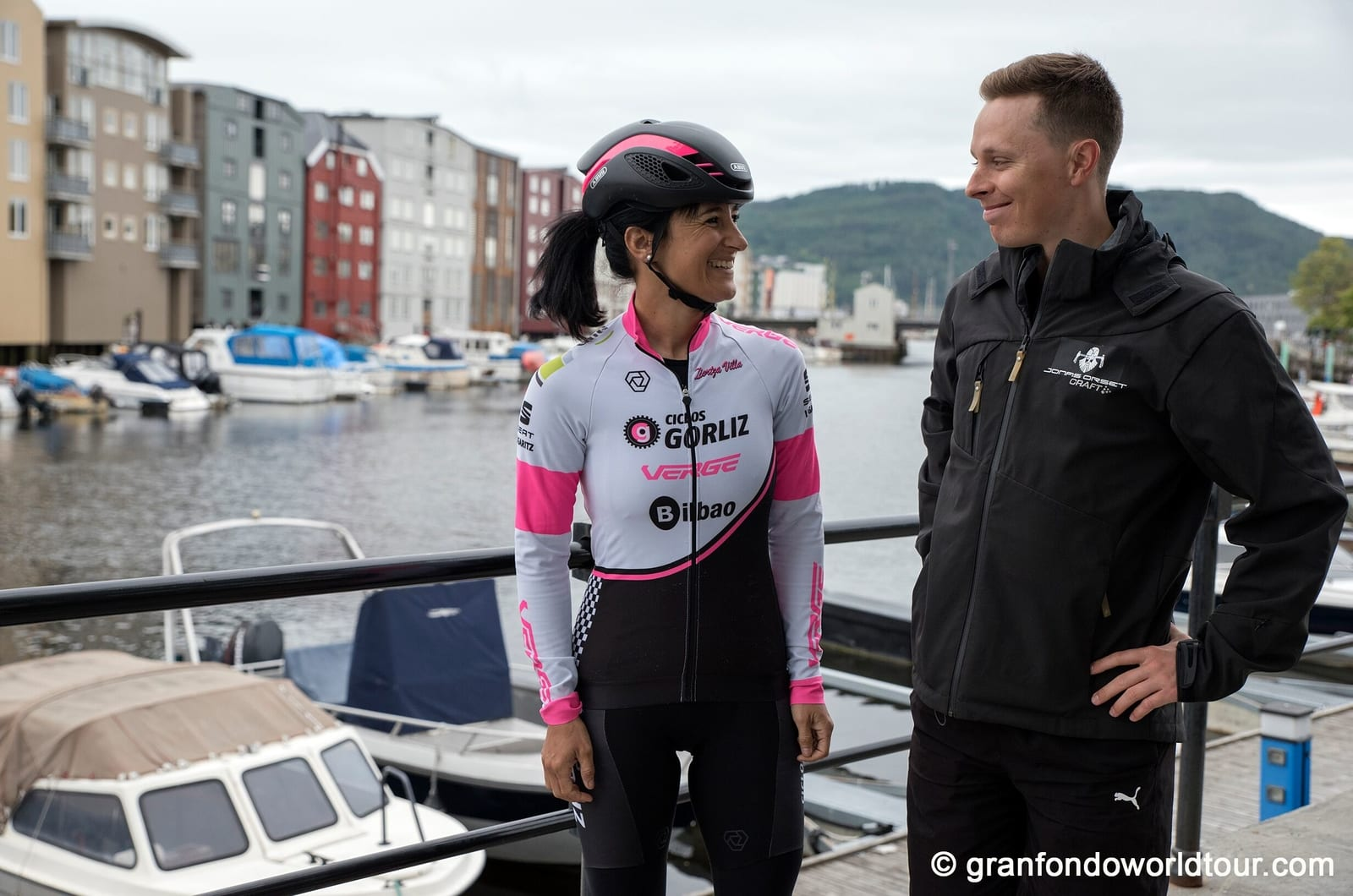 PRE RACE INTERVIEW: Før start ville Gran Fondo World Tour lage en liten sak av meg og  Ziortza Villa fra Baskerland. Foto: Grand Fondo World Tour