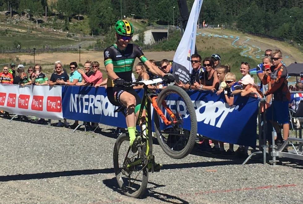 Petter Fagerhaug vant NM i rundbane på Lillehammer i fjor, til tross for at han kom inn på flatt bakhjul. Foto: Lena Øverbye