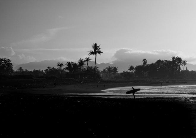 BALI: Bali er ikke så stort, men det likevel fryktelig lang tid å forflytte seg takket være dårlige veier fordelt på ekstremt mange mennesker. Illustrasjon: Didrik Magnus-Andresen