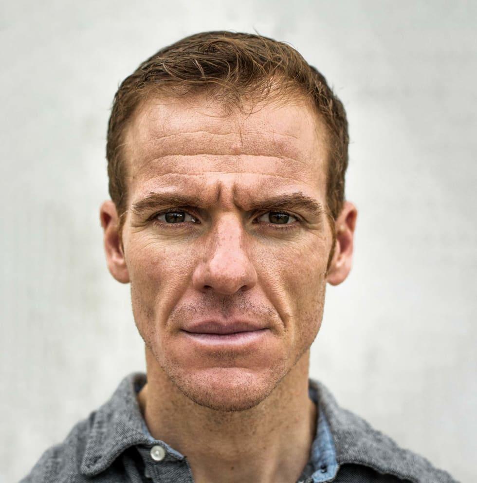IKON: Adam Hansen er en atypisk og mangefasettert proffsyklist. Han forsker på trening og ernæring, kjører vitenskapelige utstyrstester, produserer sine egne sykkelsko i karbon og er bosatt i Tsjekkia. Foto: Marcus Liebold.