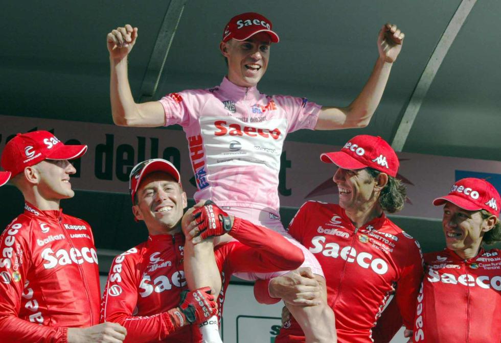 UNGKAR: Damiano Cunego vinner Giro d'Italia 2004. Med unntak av et par klassikerseiere har det vært stille fra Cunego. Foto: Cor Vos.