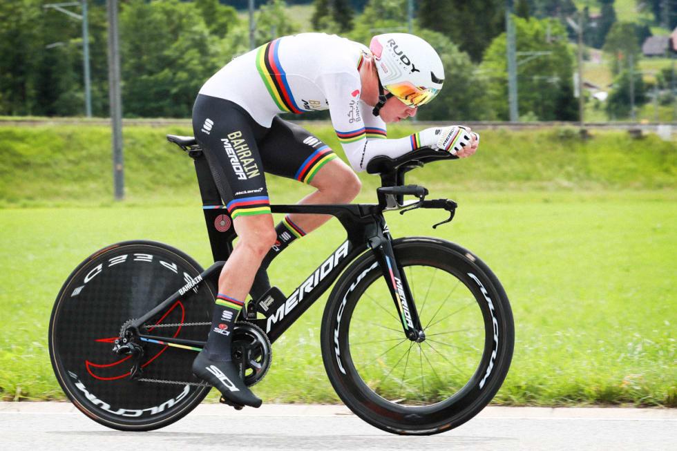 MERIDA TIME WARP TT: Dennis vant tempoetappen i Sveits rundt på Merida, men det var tydeligvis ikke godt nok. Foto: Cor Vos.