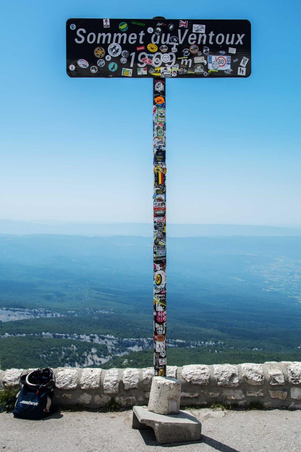 TOPPUNKT: Mont Ventoux ruver 1909 meter over havet og er det høyeste fjellet i Provence.