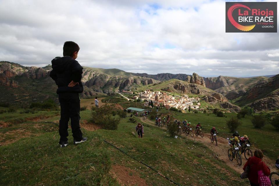 OPP I FJELLET: Hver dag starter med klatring fra Logrono på 400 meter over havet og opp til ca 1400 m.o.h